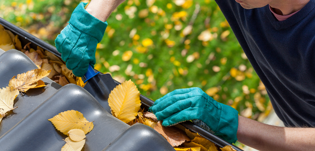 gutter-cleaning-cost-1014x487